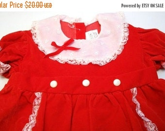 ON SALE Vintage Little Girls Red Velvet and Lace Christmas Dress Size 4T Girls Holiday Dress With Attached White Slip