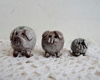 Vintage Set of 3 LITTLE PIGS, Made by the ARK Pottery in East Devon, in England.