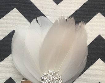 Wedding hair clip, vintage head hair piece, ivory feather bridal fascinator
