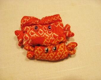 On sale,30%off, mother-child crabs broach, silk kimono fabric,