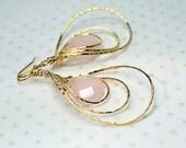 Pale pink rose quartz earrings Spinning triple hoop earrings Lightweight dangle earrings Gemstone hoop Gold teardrop earring Spinner earring