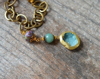 Boho green druzy pendant Gold edged druzy necklace Raw crystal drusy druzy geode Chunky antique brass chain necklace with lampwork glass