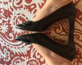 SALE-Vintage Black Leather-Andrew Geller Heels- Reptile Texture-Mod-Mad Men 8 1/2