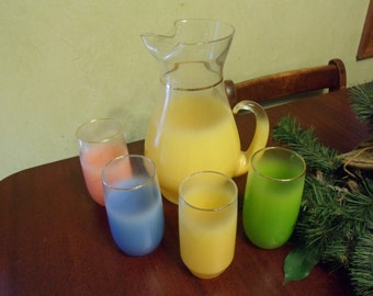 West Virginia Glass Pitcher and 4 Glasses Lemonade Set, 1950s     (T)