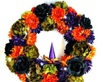 Lighted Halloween door wreath, Halloween decoration, Trick or Treat Halloween wreath, Witches hat and floral decor, Halloween wreath (A83)