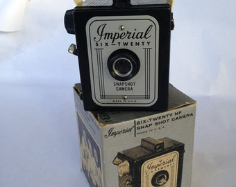 Vintage Snap Shot Camera, Brownie style, Imperial 620 in box