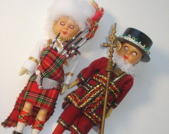 Vintage Souvenir Costume Dolls - Beafeater and Bagpiper - 1970s Holiday Collectibles