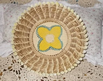 Vintage Weved Basket,Bowl, Beautiful Weaved Basket with Yellow Flower Country Charm,Country Decor,South Western Decor,Vintage Home Decor :)s