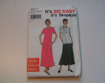 Simplicity Pattern 9277 so easy Miss Top and Skirt