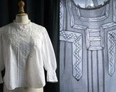 1900's Antique white blouse, thin laces and small pleats, cotton