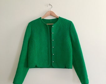 Vintage Structured Mod Cropped Cardigan // Kelly Green Boucle Sweater // Holiday // 60s