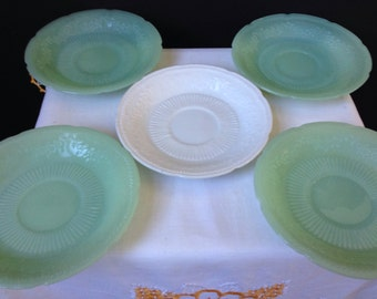 Ancho Hicking - Fire King - Alice - Saucers - Jadeite -Vitrock - Five Pieces