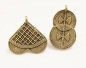 Small Ivory Coast Lost Wax Brass Pendants, African Jewelry Making Supplies, Ethnic Pendants (Z78)