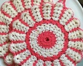 Deep Pink and Cream Vintage Pot Holders Set of 2, Deep Pink and Cream Vintage Hot Pads, Vintage Crochet Pot Holders, Vintage Crochet Hot Pad