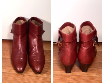 Size 9 1/2 Salvatore Ferragamo Booties Vintage 1980s Brown Leather Ankle Boots Designer Fold Over Short Stacked Heel Ferragamo Pixie Boots