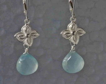 Aqua Chalcedony Silver Earring, Flower Earring with Gemstone, Gift for her, Botanical Earrings, Hydrangea Earrings