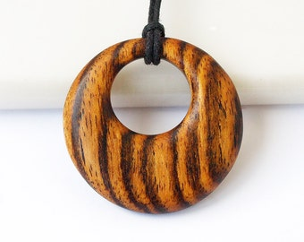 Wooden pendant, Wood necklace, Bocote necklace, Wood pendant, Wooden necklace, Round necklace, Round pendant, Round wood necklace, Bocote