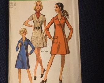 Simplicity 8982   Women's Wrap Around Dress