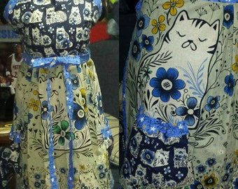 Purr-fect Portugal Cats Full Size Linen Apron - 2 Pockets - Nice and Long - Quality Fabrics - Great Gift - Cat Lover - Plus Sizes Too