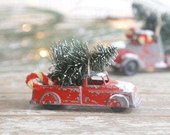 Vintage Red Truck and Christmas Tree, Metal Truck and Christmas Tree, Red Truck Bottle Brush Tree, Country Farmhouse Christmas Decor