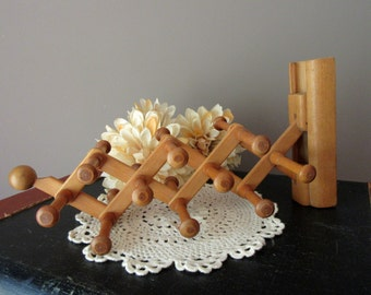 Vintage Swank Wood Tie Rack Extendable Expandable  Accordian Rack For Ties or Jewelry Wall Mount