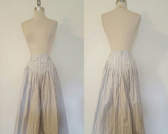 ON SALE 1980s Vintage Women's Striped Full Maxi Skirt Size 6