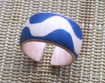 Matisse Wave on Blue -- adjustable wood ring