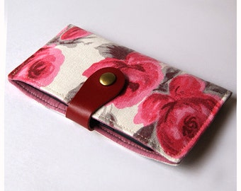 iPhone Sleeve, iPhone Case, Samsung Sleeve, Cell phone case, Phone Sleeve, Padded Phone Case - Vintage Flowers