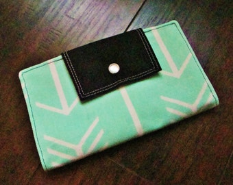 Women's Fabric Wallet : Mint Green Arrows with Black Accents
