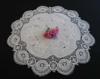 Table Centrepiece or Side table Cloth