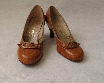 Mottled Tan Shoes, Pumps, With Buckle - Unworn, Dead Stock - 1950s