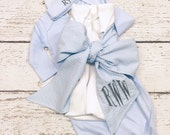 Swaddle blanket with bow and gown set, Newborn swaddle blanket and gown set, newborn boy gown and bow blanket set, Monogrammed bow sash set