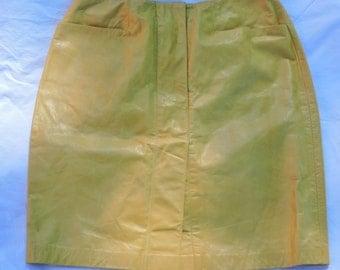 Buttercream Oscar de la Renta Leather Skirt