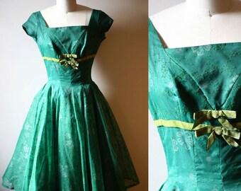 1950s green bow dress // swing dress // vintage dress
