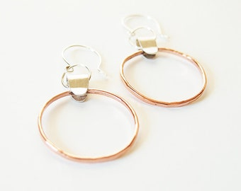 Hammered copper and recycled silver two-tone hoop earrings - Adela Earrings