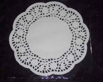 8 inch round paper doilies,28/pkg,round,kids art,card making,decoupage,scrapbooking,collage,cupcake display