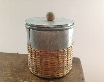 Vintage tin canister Tin straw box Round metal box with a lid Primitive home kitchen storage box Tin container