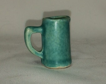 "Dollhouse Miniature Pottery Pitcher 1"" scale (ITZ)"