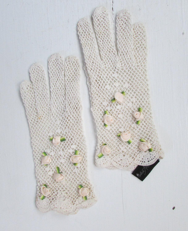 Crochet Gloves With Finger Holes >> 1950s white crochet gloves with rosettes vintage gloves
