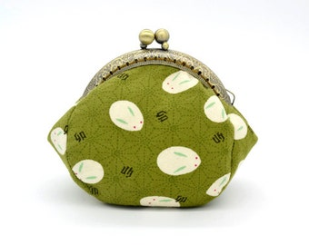 Shells Rabbit with Green Coin Purse - Cotton fabric with silver metal frame