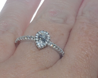 Sterling Silver Pear-Shaped CZ Ring 1ct