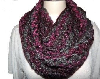 Infinity Scarf, Crochet Cowl, Winter Scarf, Neckwarmer, Fashion Scarves,