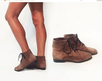 SUMMER SALE Vintage 1980's SUEDE Granny Ankle Boots || Unworn Deadstock Booties|| Size 7 to 7.5