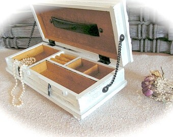Trinket Box ,Shabby Chic , Jewelry Box - Vintage Wood Box - Jewelry Cabinet - Storage Organizer