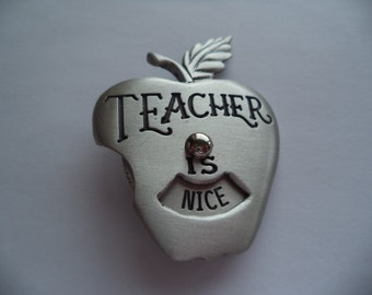Vintage Signed JJ Silver pewter Teachers Apple Brooch/Pin  Nice/Fun
