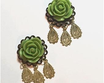 """Loise matte finish flower plugs for gauged ears: 6g 4g 2g 0g 00g 7/16"""" 1/2"""" 9/16"""" 5/8"""""""