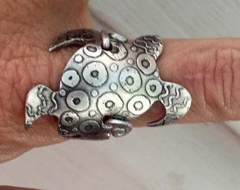 Sea turtle wrap ring