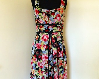 Vintage 1990s does 1950s Fit and Flare Floral Dress Size 6 Mica Tea Dress