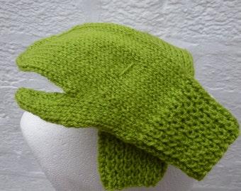Vintage girls gloves gift for kids green accessories knit handmade mittens gloves soft girls cosy green wool knit 1990s vintage boys kids UK