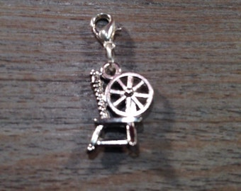Jot Charm - Spinning Wheel (silver)
